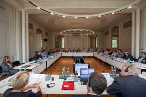 2013 Gespräche - Erfolgreiche Restrukturierungen von Unternehmen